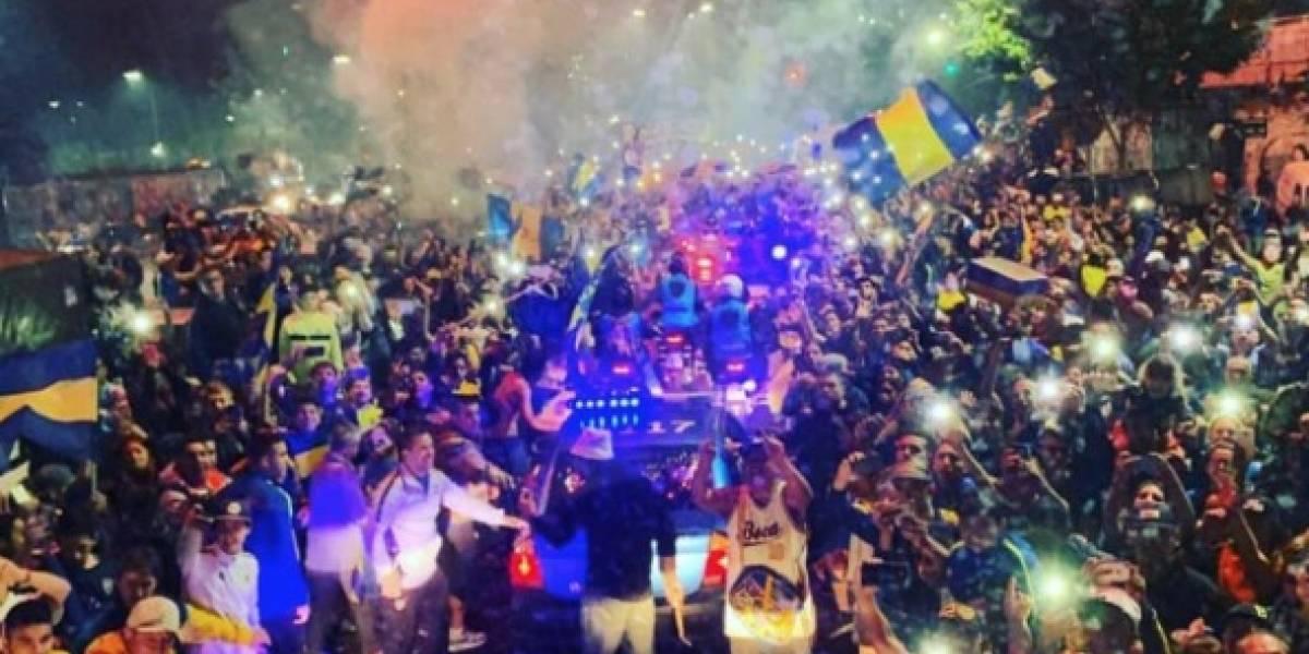 Hinchas de Boca Juniors protagonizaron una masiva despedida antes del viaje de su equipo a Madrid