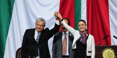 Claudia Sheinbaum asume la jefatura de Gobierno de la Ciudad de México.
