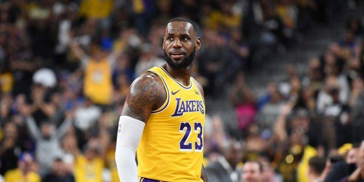 LeBron afirma entender la lógica en críticas de Magic y Kobe