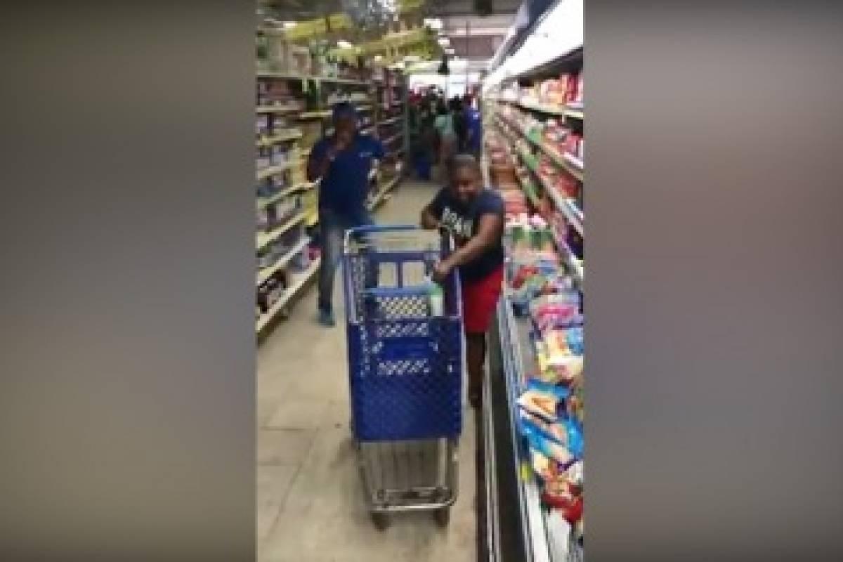 Le dieron segunda oportunidad a la mujer que desperdició un minuto de mercado gratis