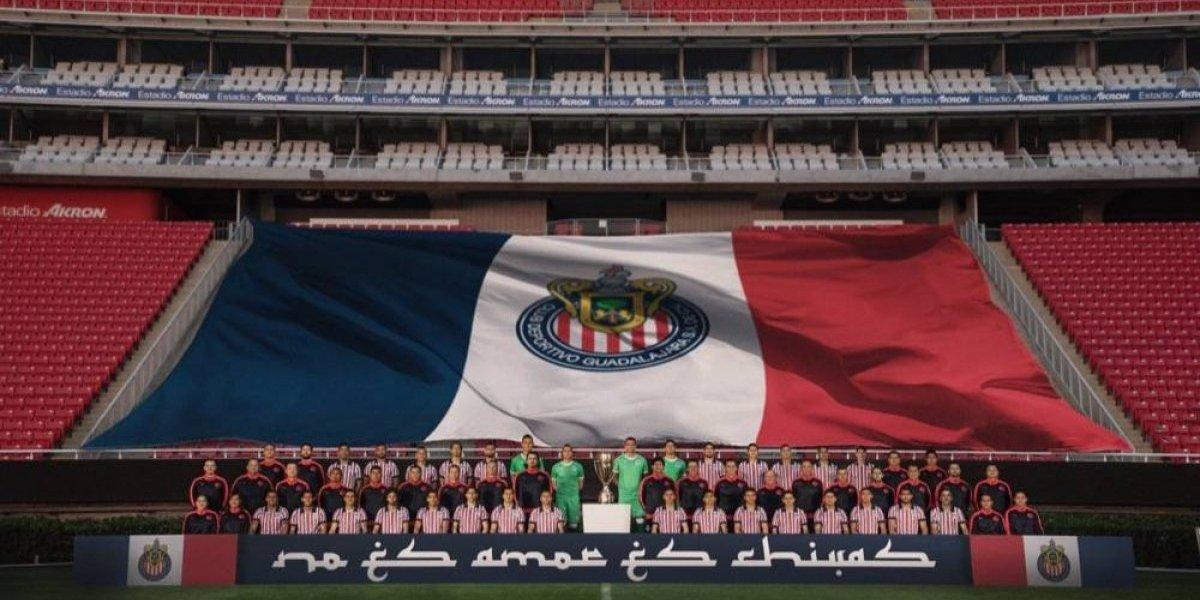 Chivas presenta su foto oficial para el Mundial de Clubes