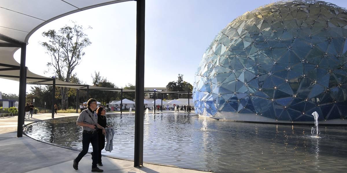 A dos días de su apertura, cierran el Planetario 'Lunaria'