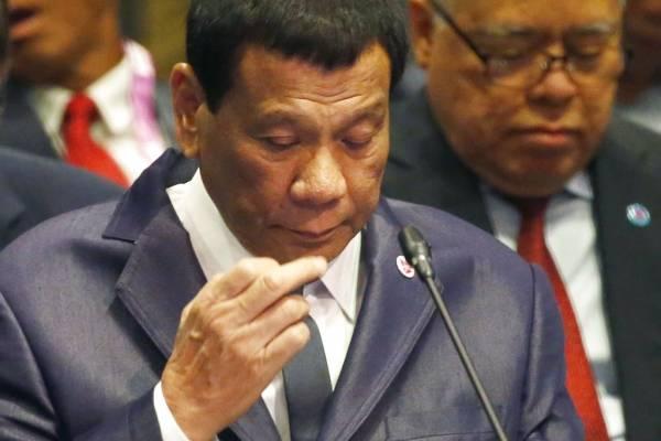 Duterte contra la iglesia católica. AP