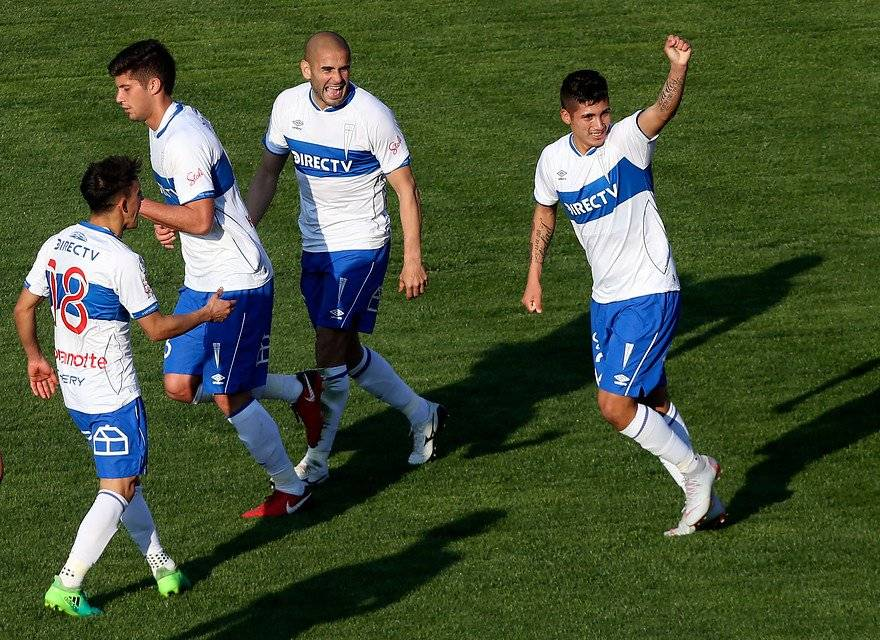 Carlos Lobos, pieza importante de la UC en un transcurso de la temporada, perdió protagonismo sobre el final de año / Foto: Agencia UNO