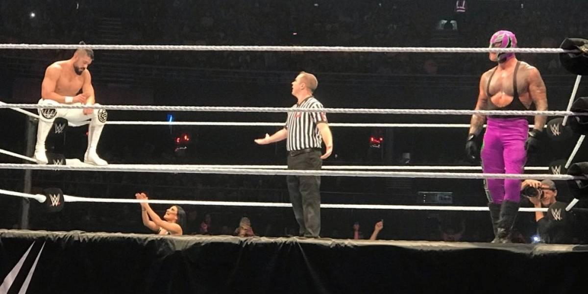 """La """"gaviota"""" para Elias, el homenaje a Eddie Guerrero y la presencia de Jorge Valdivia marcaron la trastienda de la WWE en Chile"""