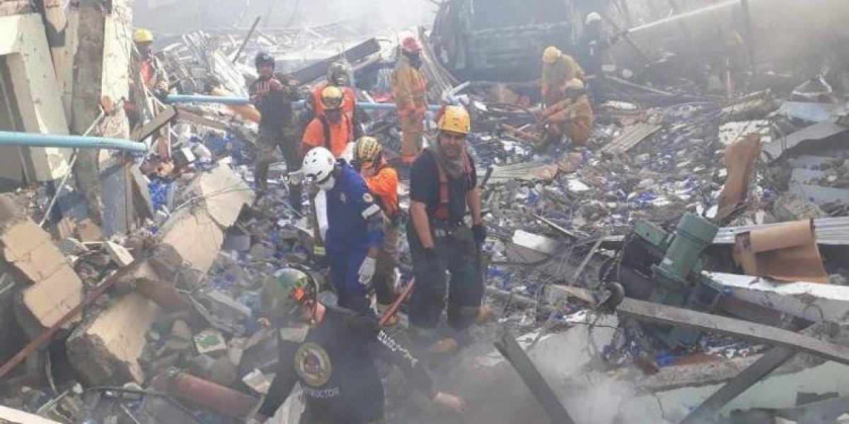 Aumentan a cuatro los fallecidos en explosión Polyplas, continúan búsqueda