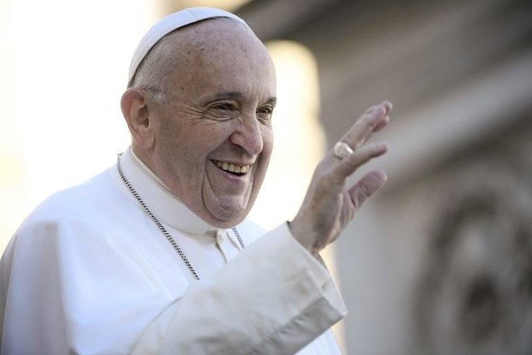 El papa urge a hallar una solución pacífica en Nicaragua