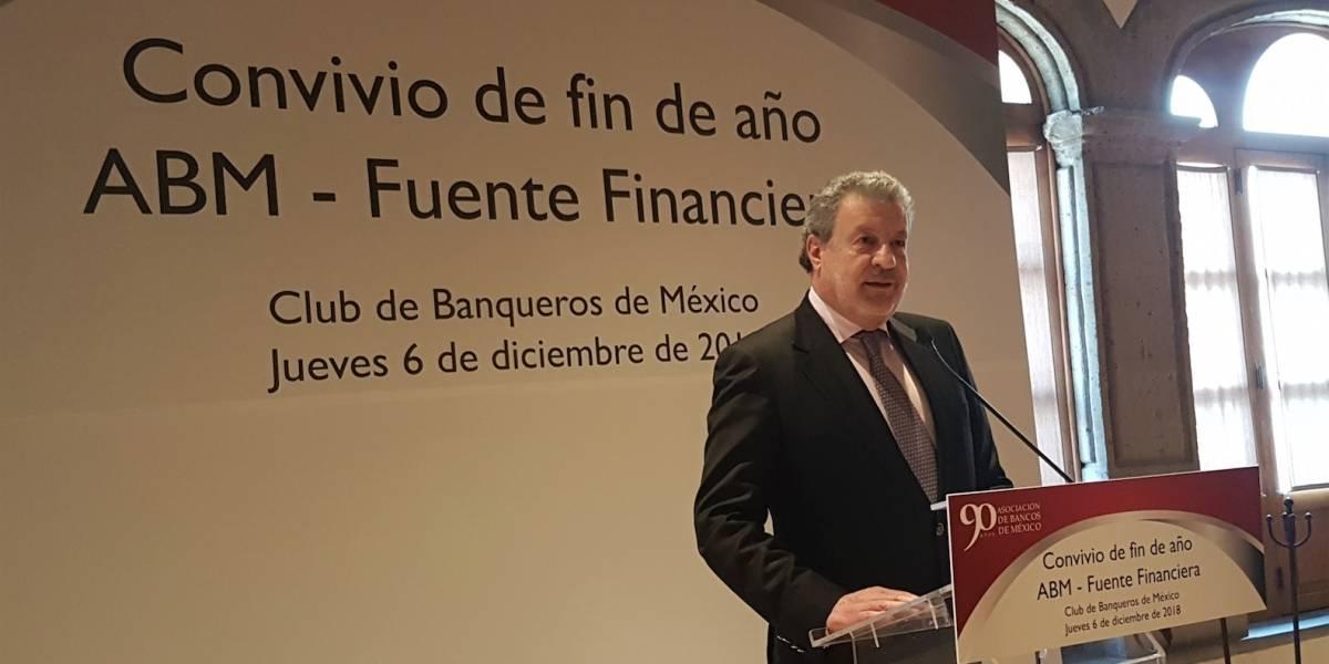 Hay margen para bajar comisiones bancarias en México: banqueros