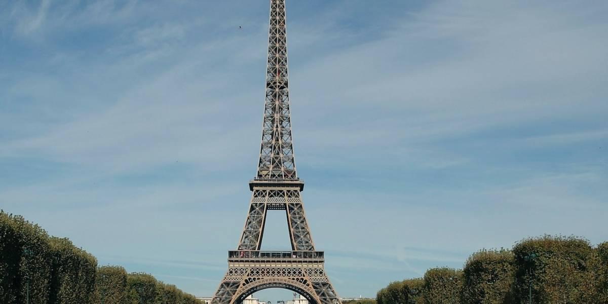 Torre Eiffel y otros sitios en París cerrarán por temor a disturbios
