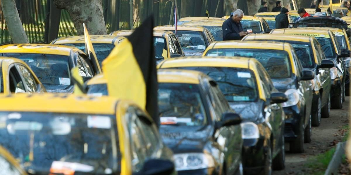 ¡Indignados! Taxistas se oponen a la alianza de Easy Taxi con Cabify
