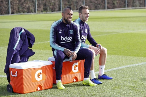 Vidal ya está bien y este jueves entrenó  imagen FC Barcelona