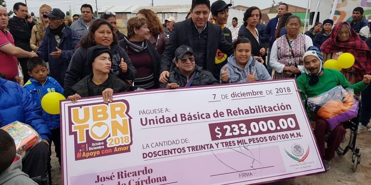Ricardo Gallardo dona salario y aguinaldo a DIF