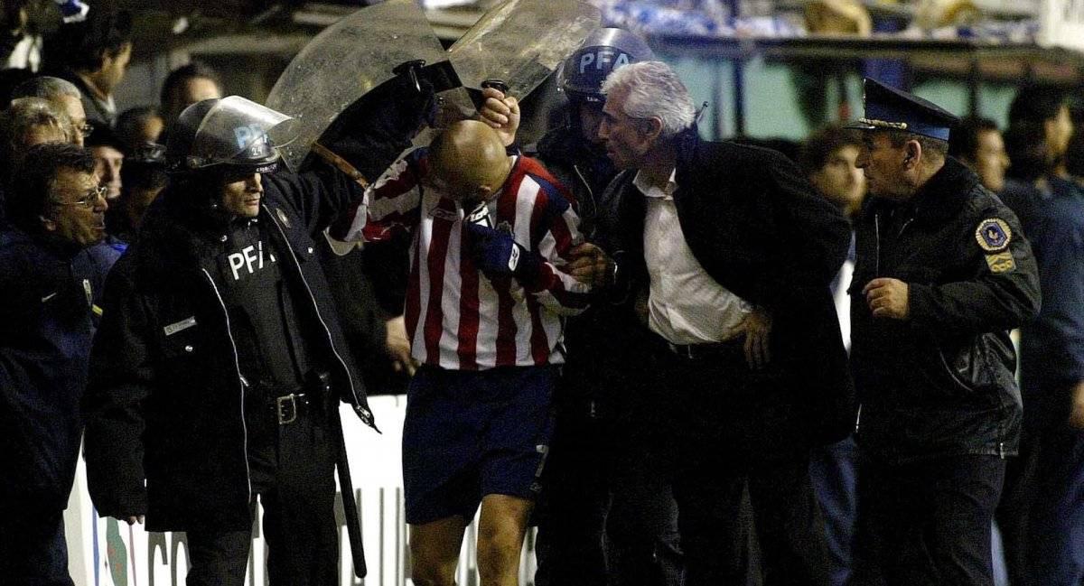 Bofo Bautista tuvo que salir escoltado pero fue agredido hasta por el DT de Boca  GETTY IMAGES