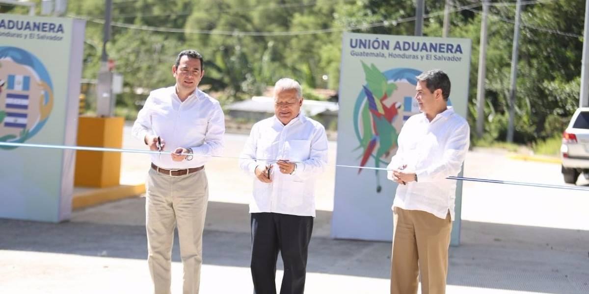 """Presidentes del Triángulo Norte inauguran primera fase de adecuación de la aduana """"El Poy"""""""