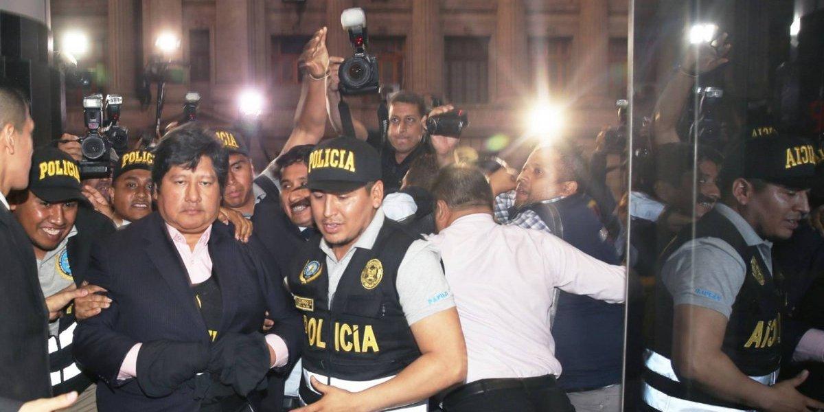 Deportes: Por qué está detenido el presidente de la FPF?