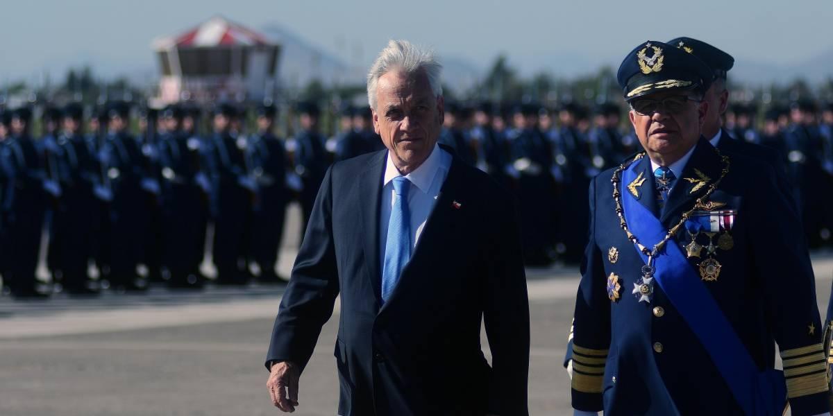 """Ex comandante en jefe de la Fach con todo contra críticas de Piñera: """"no me gusta que nos estén basureando"""""""