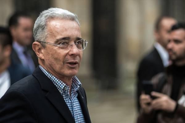 Uribe denunció hackeo de sus redes sociales