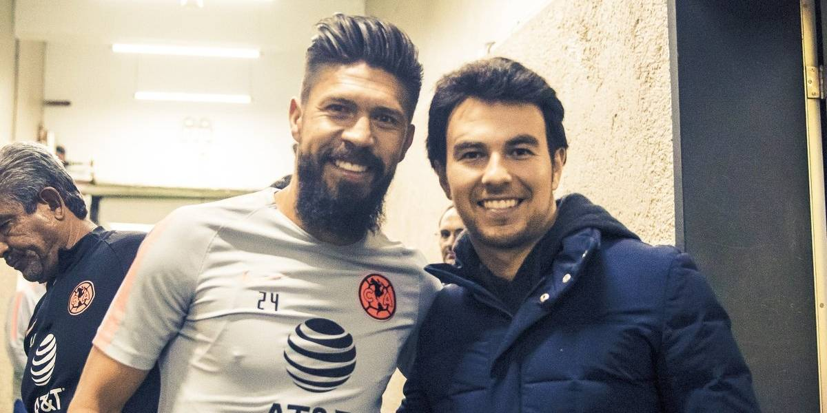 Checo Pérez acude a CU para apoyar al América