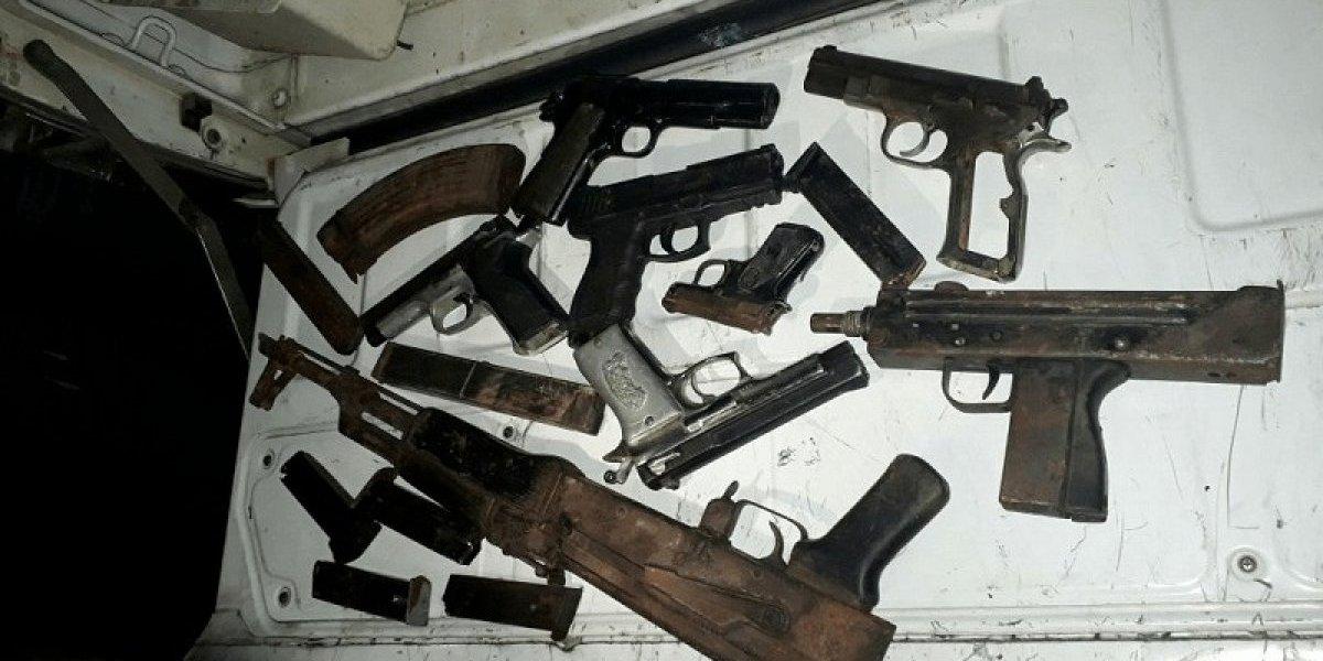 Incautan 31 armas clonadas en operativos simultáneos