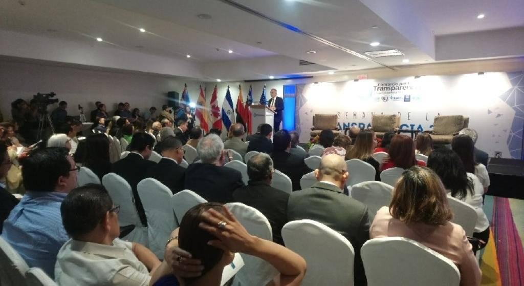 Iván Velásquez en conferencia en El Salvador sobre la CICIG