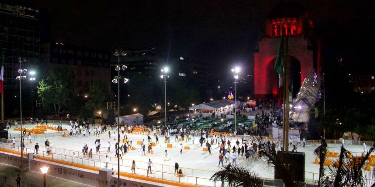 Inauguran pista de hielo en el Monumento a la Revolución