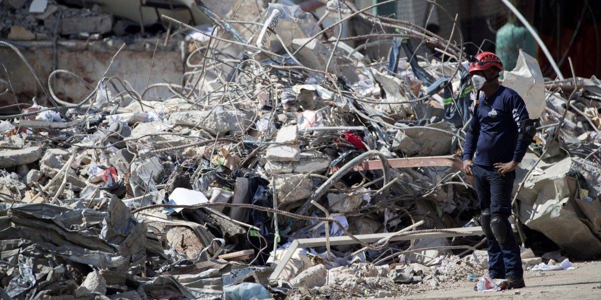 Hallan cuerpo de séptima víctima mortal en explosión fábrica Santo Domingo
