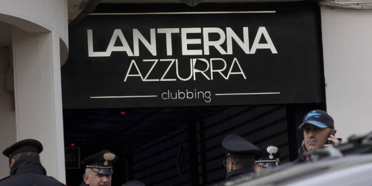 Pánico entre jóvenes, provoca estampida mortal en discoteca de Italia