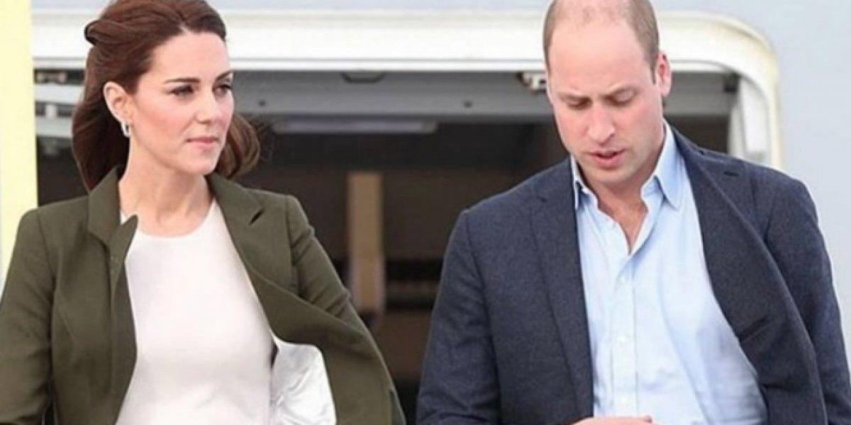 """Príncipe William """"se burla"""" en público del outfit de Kate; pero ella no se quedó callada"""
