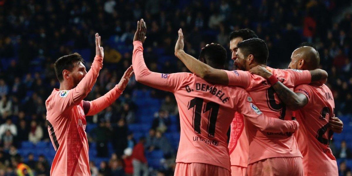 El Barcelona se da gusto goleando al Espanyol y mantiene el liderato