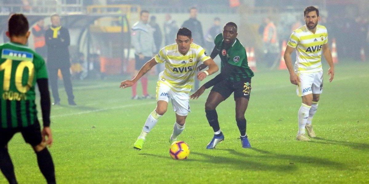 El Fenerbahçe de Mauricio Isla volvió a perder en la liga turca y se hunde en los últimos lugares