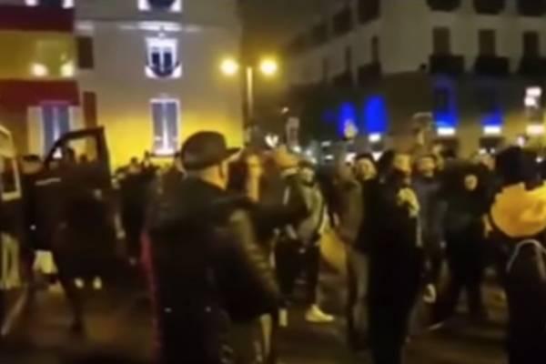 Copa Libertadores: Cruce tenso entre hinchas de River y Boca en Madrid