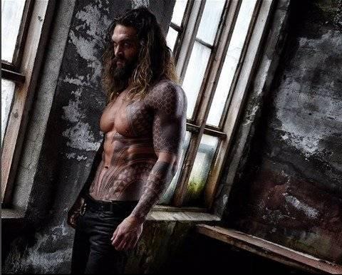 'Aquaman': Así bailó Jason Momoa en la alfombra roja