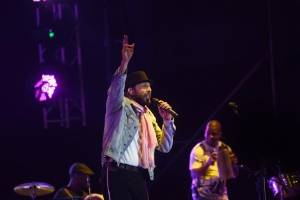Juan Luis Guerra en concierto en Guatemala