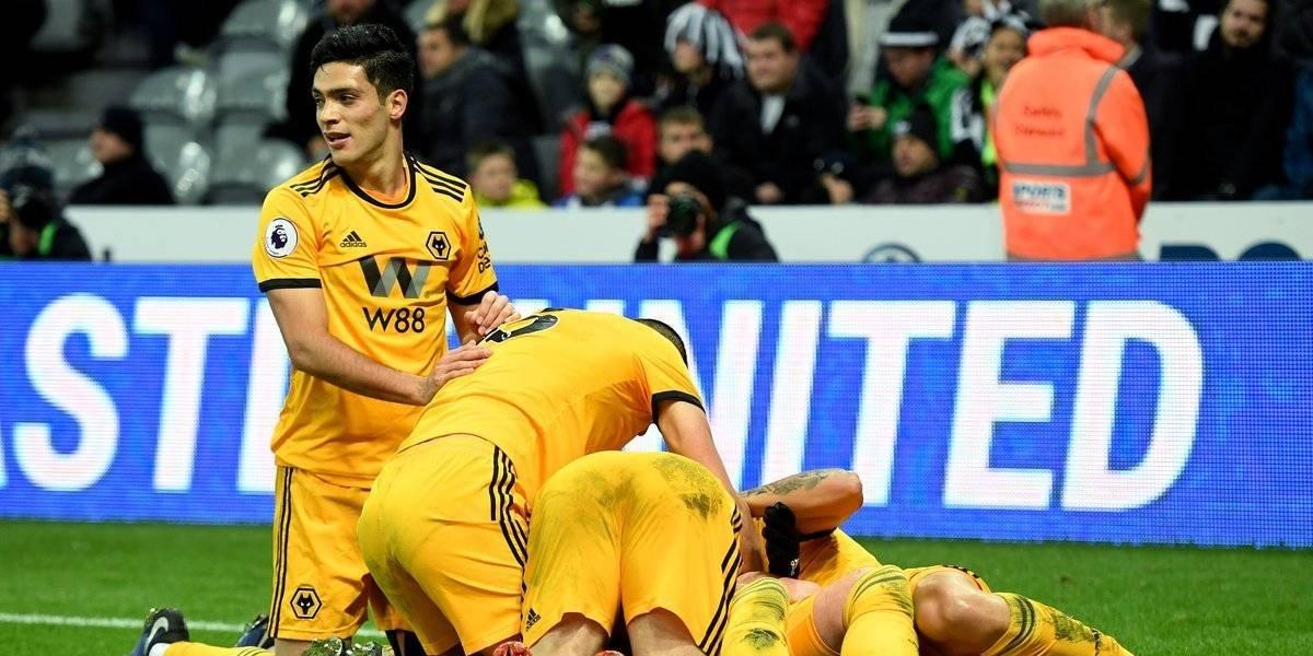 Raúl Jiménez vio actividad en la victoria del Wolverhampton