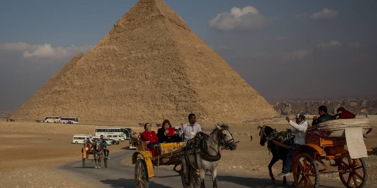 Egipto busca a pareja que tuvo sexo en la Pirámide de Giza