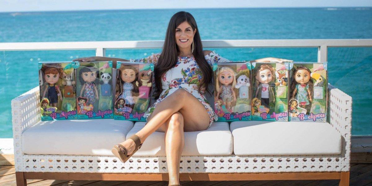 Marca puertorriqueña de muñecas Backpets apuesta a la Navidad