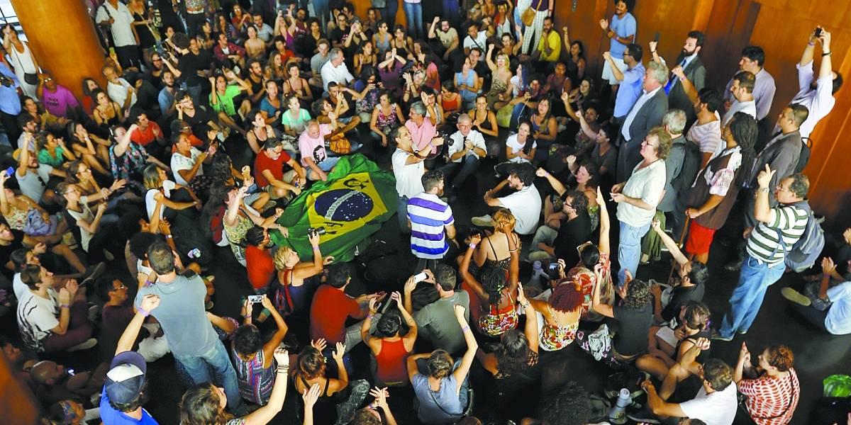 Com fechamento confirmado, movimento em defesa do Ministério da Cultura volta com menos força