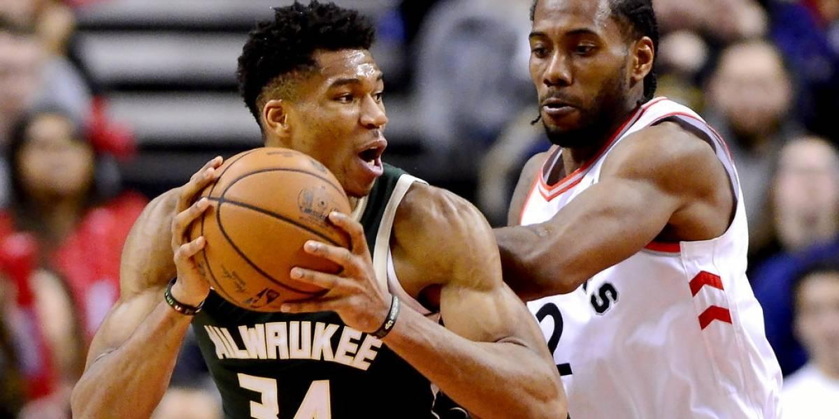 Bucks logran vencer a los Raptors en la lucha por el primer lugar del este