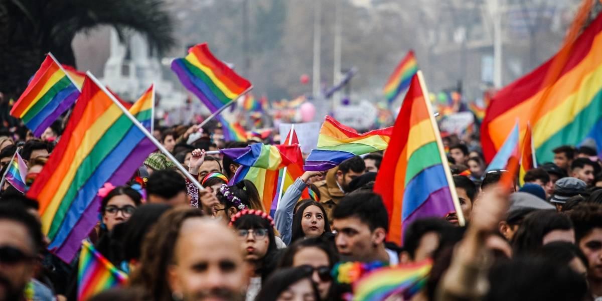 Primer monumento LGBTI de Chile: ícono de su lucha con un mensaje para los próximos 100 años