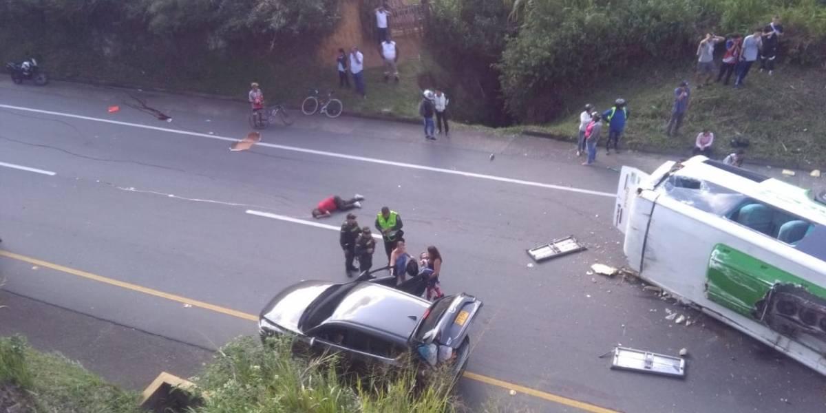 Accidente de autobús deja 9 muertos