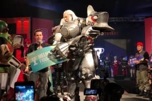 Julius Kaesar se vestiu de Reinhardt, do jogo Overwatch. Ele recebeu o prêmio de Melhor Figurino