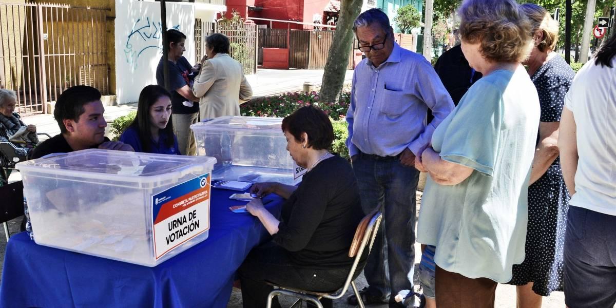 Vecinos de Santiago votan por más cámaras de seguridad y recuperación de veredas