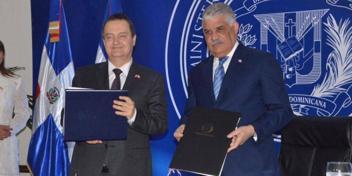 RD y Serbia firman acuerdo para supresión de visados