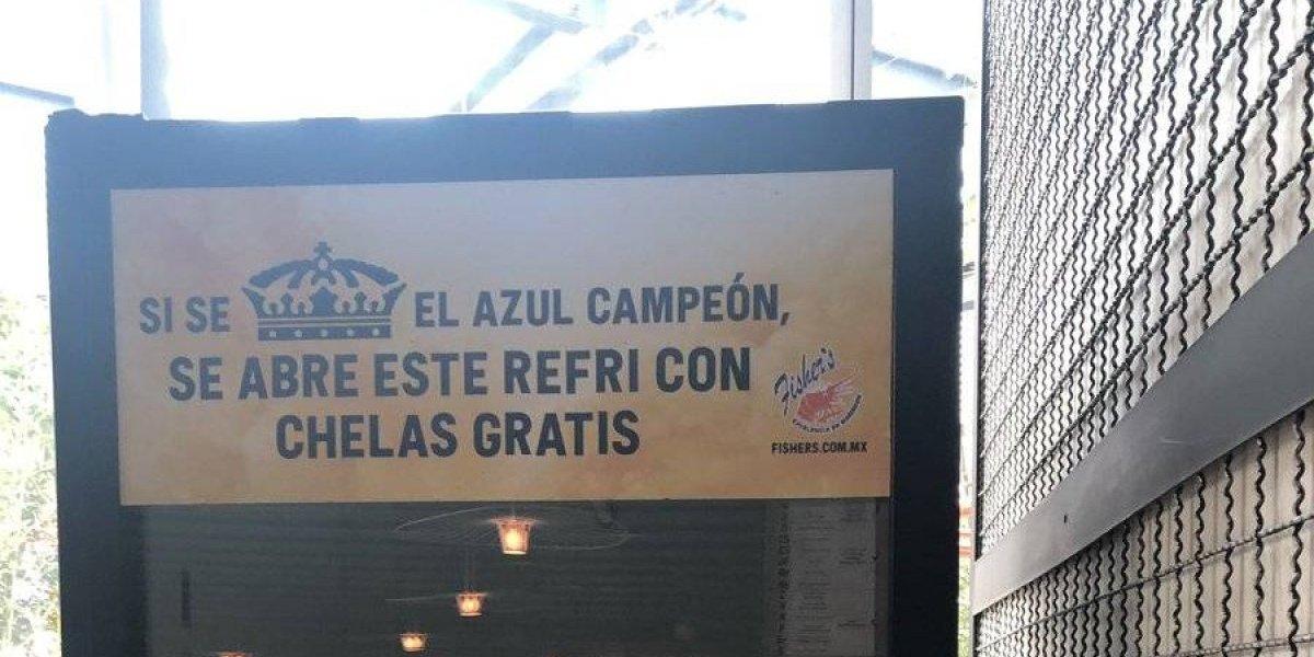 Cadena de restaurantes regalará cervezas si Cruz Azul es campeón de la Liga MX