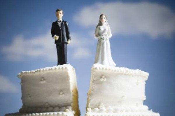 Demandó a su novio por no pedirle matrimonio tras ocho años juntos
