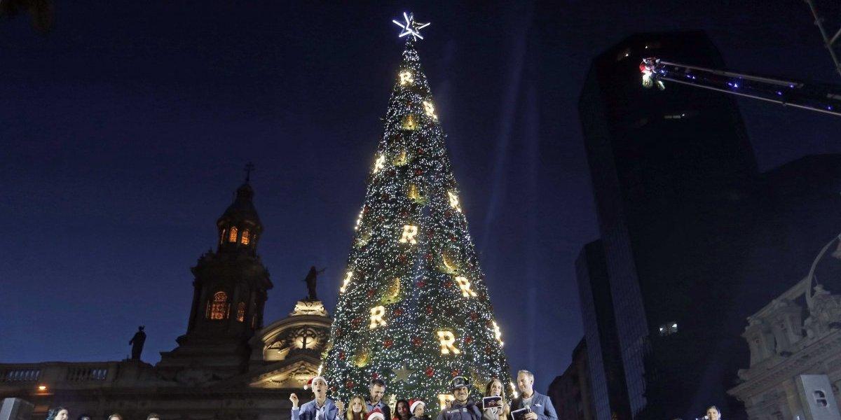 Árbol de navidad estilo Nueva York se instaló en la Plaza de Armas