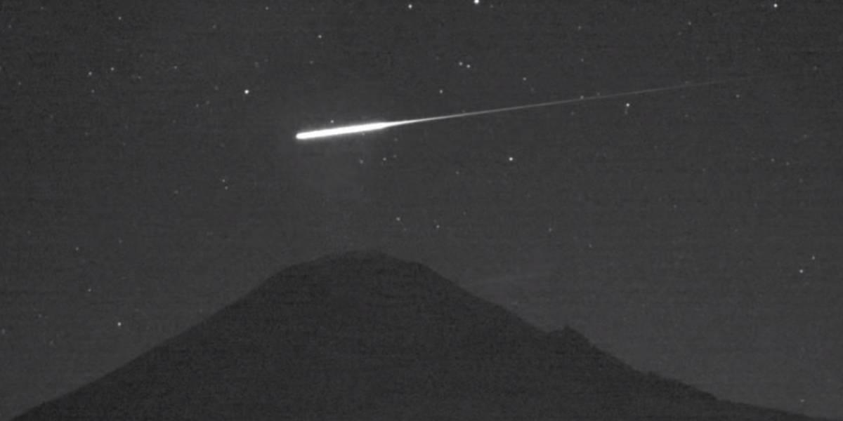 Captan la caída de un meteorito en el cielo de México