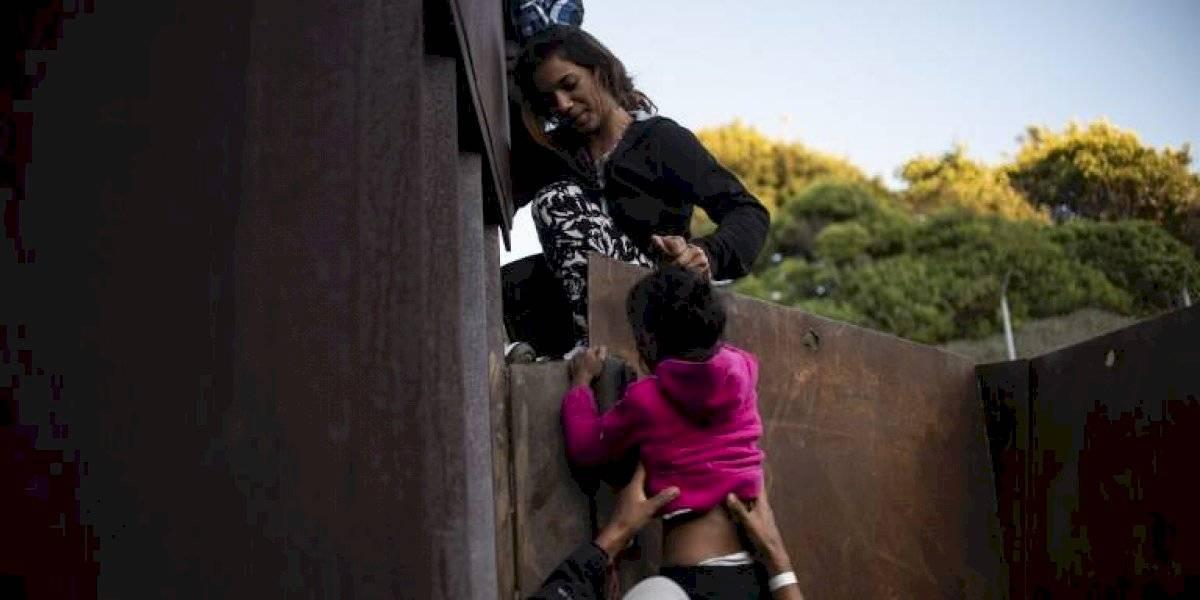 """Denunciarán a familias que """"presten"""" a sus hijos para viajar a EE.UU."""