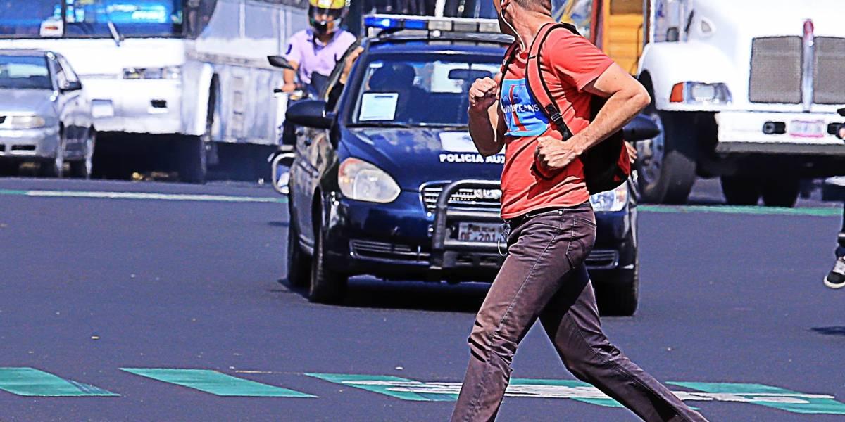 50% de los peatones culpan a automovilistas por inseguridad en cruces