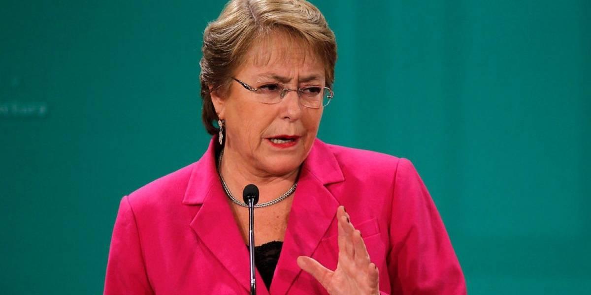 """Bachelet y la marginación de Chile del pacto migratorio: """"Yo lo lamento, pero es una decisión del gobierno actual"""""""